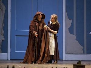 Dit seizoen bevatte onder meer La Cenerentola van Rossini, met Elina Garanca (foto: Ken Howard/Metropolitan Opera).