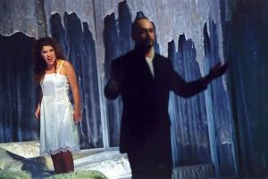 Hertog Blauwbaards Burcht lijkt de rode draad door alle festivaledities te zijn. Hier een productie uit 2002.