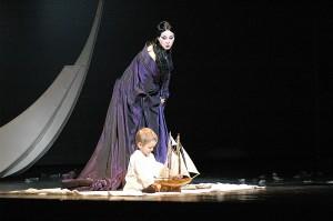 De indrukwekkende slotscène tussen Madama Butterfly en haar zoontje (foto: V. Lapin).