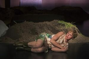 Een scène uit Ophelia (foto: Leo van Velzen).