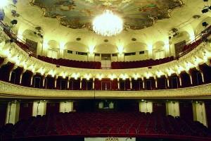 Het Landestheater, één van de podia van de Salzburger Festspiele (foto: Karl Foster).