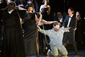 Een scène uit de productie (foto: Annemie Augustijns).