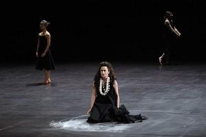 Scène uit Medea, een choreografische bewerking van een opera van Pascal Dussapin (foto: Sebastian Bolesch).