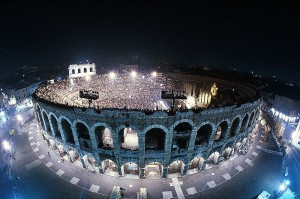 (Photo by Gianfranco Fainello. From the Archives of Fondazione Arena di Verona. All rights reserved.)