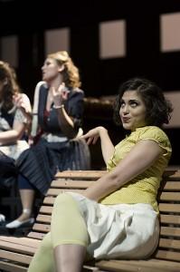 Aylin Sezer als Despina.