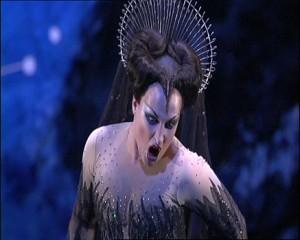 Diana Damrau als Königin der Nacht in een productie van het Royal Opera House (foto: Royal Opera House).