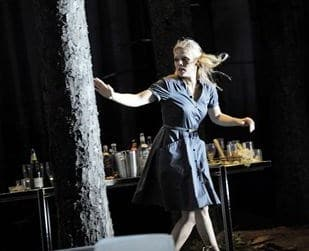 Salzburg castte veel jeugdig schoon voor haar festival, zoals Miah Persson voor Così fan tutte (foto: Monika Rittershaus).
