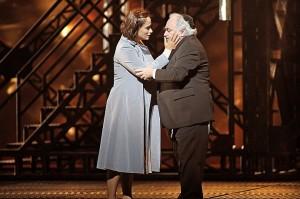 Angeles Blancas Gulín als Rachel met Dennis O'Neill als haar vader Éléazar (foto: Ruth Walz).