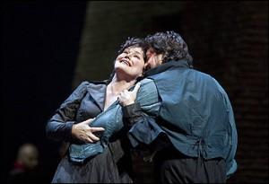 Mattila en Álvarez in Tosca bij de Met (foto: Ken Howard / Metropolitan Opera).