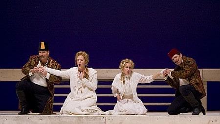 V.l.n.r. Ramsay, Lynch, McNeese en Mayes (foto: Tim Fuller / Arizona Opera).