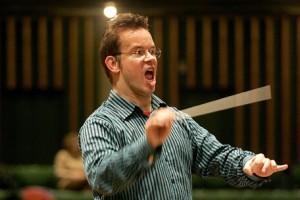 Hermus dirigeert in Hagen (foto: Michael Kleinrensing).