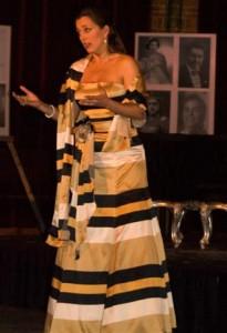 Mylou Mazali tijdens een eerder concert (foto: Roos Westhoff).