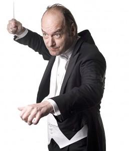 Dirigent Jan Willem de Vriend (foto: Orkest van het Oosten).