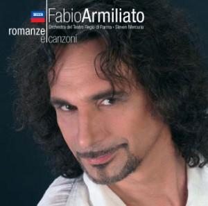 Armiliato op één van zijn soloalbums.