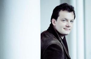 Andris Nelsons (foto: Marco Borggreve).