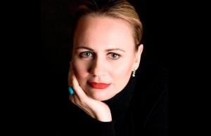 Anja Kampe zingt de rol van Senta in Der fliegende Holländer (foto: Alexander Vasiljev).