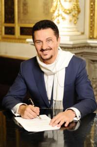 Beczala bij de ondertekening van zijn contract met Deutsche Grammophon (foto: Stefanie Starz).