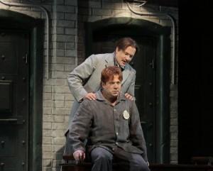 Scène met David Daniels als Oscar en William Burden als Frank Harris (foto: Ken Howard).