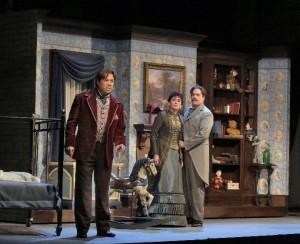 Scène  met Daniels, Stober en Burden (foto: Ken Howard).