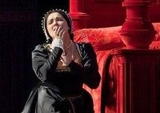 Anna Netrebko als Anna Bolena (foto: Ken Howard / Metropolitan Opera).