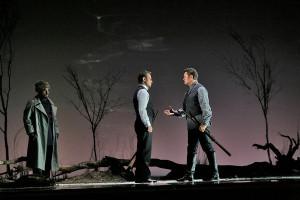 Piotr Beczala en Mariusz Kwiecien bij hun duel in de tweede akte (foto: Ken Howard / Metropolitan Opera).