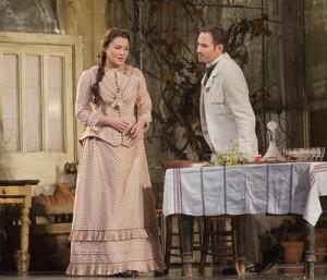 Anna Netrebko en Mariusz Kwiecien (foto: Ken Howard / Metropolitan Opera).