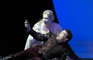 Annick Massis en Aquiles Machado als Juliette en Roméo (foto: Jacky Croisier).