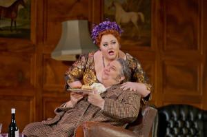 Stephanie Blythe en Ambrogio Maestri (foto: Ken Howard / Metropolitan Opera).