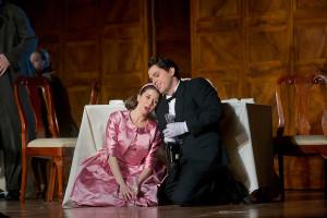 Lisette Oropesa en Paolo Fanale (foto: Ken Howard / Metropolitan Opera).