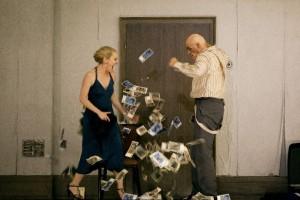 Sara Jakubiak als Polina en John Daszak als Aleksej (foto: Bernd Uhlig).