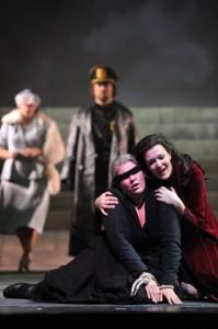 Scène uit La Gioconda (foto: Theater St. Gallen / Hans Jörg Michel).