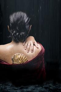 Campagnebeeld van Les pêcheurs de perles, de tweede productie die de Nederlandse Reisopera in 2014/2015 zal brengen.