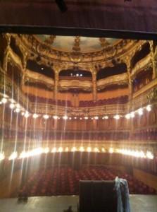 Shot van het Théâtre de l'Athénée, kort voor de première van King Arthur.
