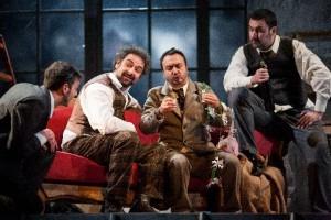 Scène uit de productie van La bohène.