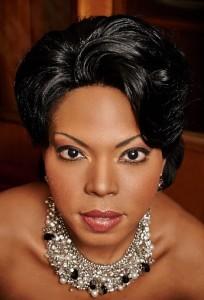 Kristin Lewis is één van de Aida-vertolksters.