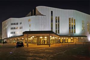 Het Aalto-Musiktheater in Essen (foto: Thomas Robbin).