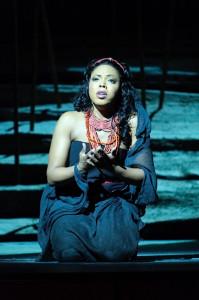 Kristin Lewis als Aida (foto: Jacky Croisier).