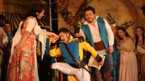 Scène uit L'elisir d'amore (foto: Seléf Narváez).