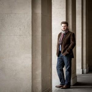 """Rutherford: """"Ik geef er de voorkeur aan te leren met Solti of Karajan in mijn oren"""" (foto: Werner Kmetitisch)."""