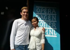 Jonás Bisquert en Bernadeta Astari werken aan de nieuwe opera Kartini.