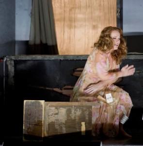 Catherine Naglestadt als Minnie (foto: Monika Rittershaus).