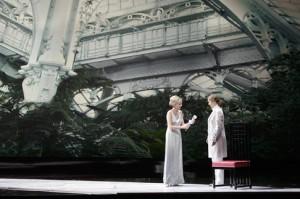 Mojca Erdmann en Sophie Koch (foto: Salzburger Festspiele / Monika Rittershaus).