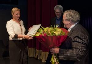 Eén prijs werd al overhandigd: een panel van Brava-kijkers gaf sopraan Deirdre Angenent de allereerste IVC Brava Kijkersprijs (copyright foto: Vincent Nabbe).