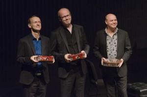 De pianisten Hans Adolfsen, Hans Eijsackers en Paul Plummer leverden een huzarenstukje: met z'n drieën begeleidden ze alle twintig halvefinalisten (copyright foto: Vincent Nabbe).