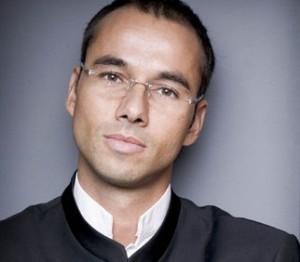 Maestro Lawrence Renes (foto: Marco Borggreve).