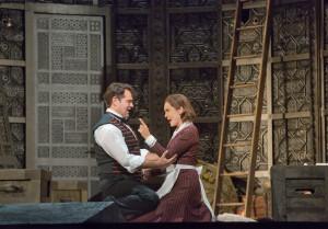 Scène uit Le nozze di Figaro, met Ildar Abdrazakov en Marlis Petersen (foto: Ken Howard / Metropolitan Opera).