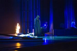 Scène uit Médée (vorige speelreeks / foto: Dayna Casey).