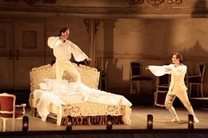 Scène uit Così fan tutte bij het Bolshoi Theater (foto: Damir Yusupov).