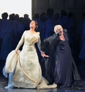 Elsa en Ortrud in Lohengrin bij De Nationale Opera (foto: Ruth Walz).