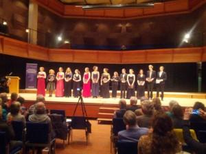 Applaus voor de deelnemers aan het einde van het afsluitende concert.